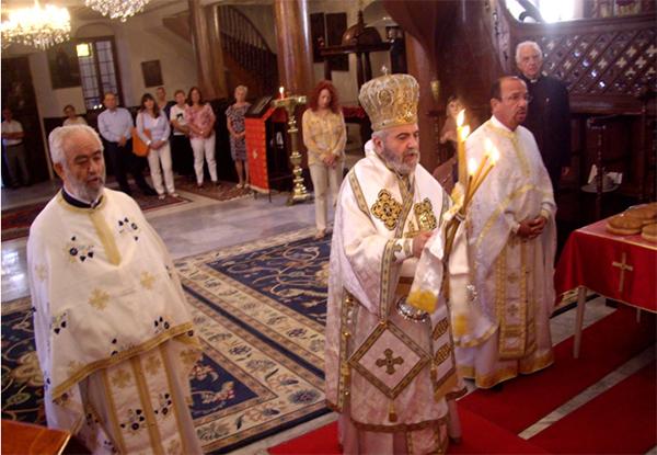 Στιγμιότυπο από την Λειτουργία στον Ιερό Ναό Γενεθλίου του Προδρόμου Γενήμαχαλλε (φ. Α.Χατζόπουλος)